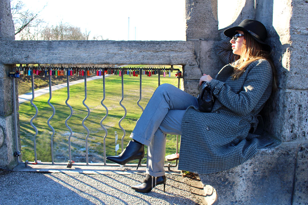 Moments of Fashion, München, Fashion Blog, Saint Laurent boots on Sunday