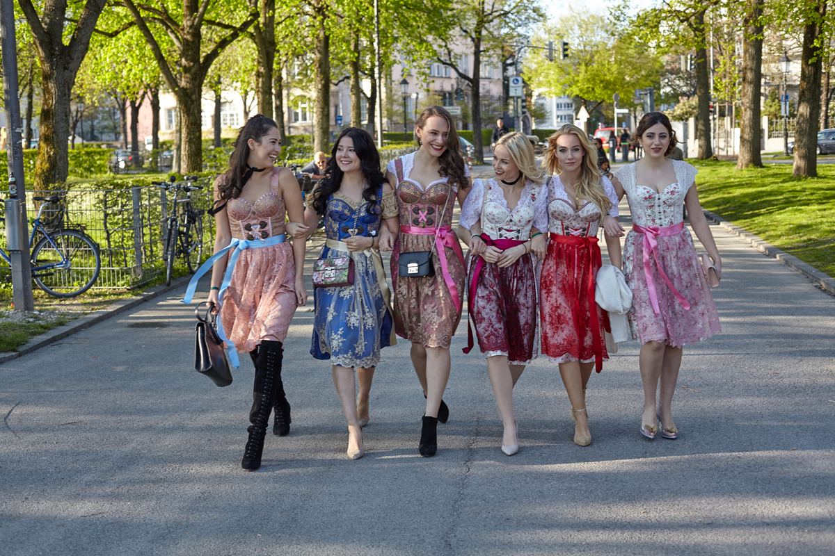 Moments of Fashion, München, Fashion Blog München, Fashion, Lifestyle, Blogger, Ena Dirndl Vibes
